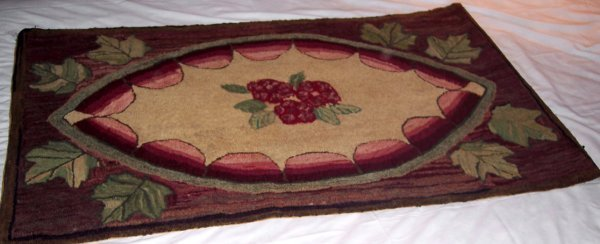 2016: ONE MARITIME HOOKED RUG LARGE FLORAL