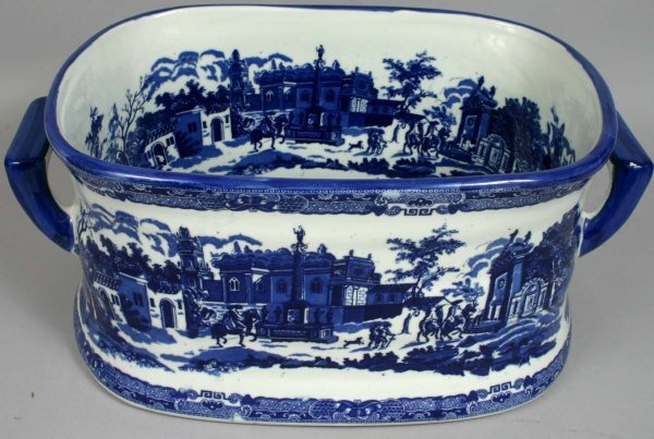 1464: 20TH C. BLUE AND WHITE IRONSTONE FOOTBATH