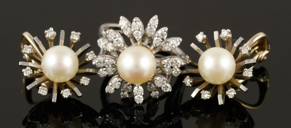 Three Pieces Ladies Diamond and Pearl Suite