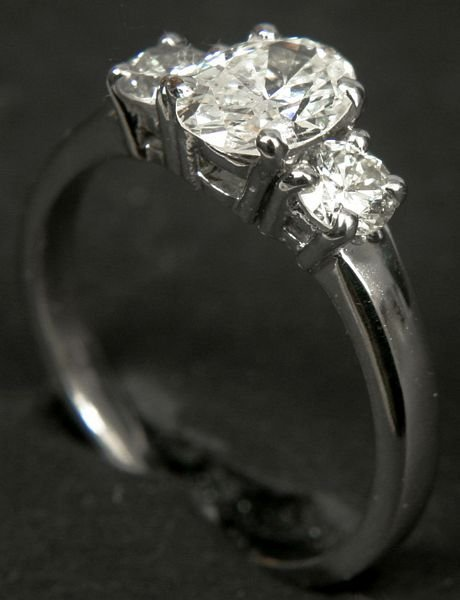 4: 14KT WHITE GOLD DIAMOND RING, 2 CTW DIAMONDS