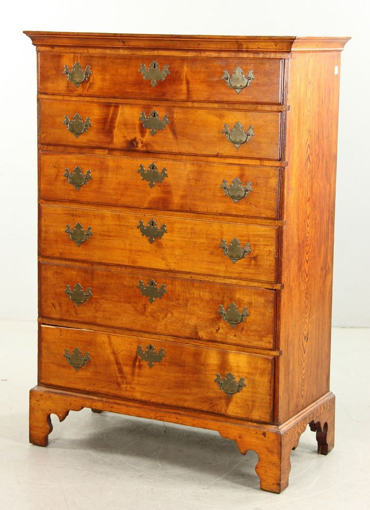 18th C. Chippendale Chest - 3