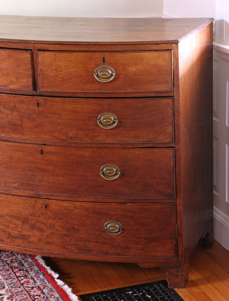 19th C. English Hepplewhite Style Bowfront Chest - 3