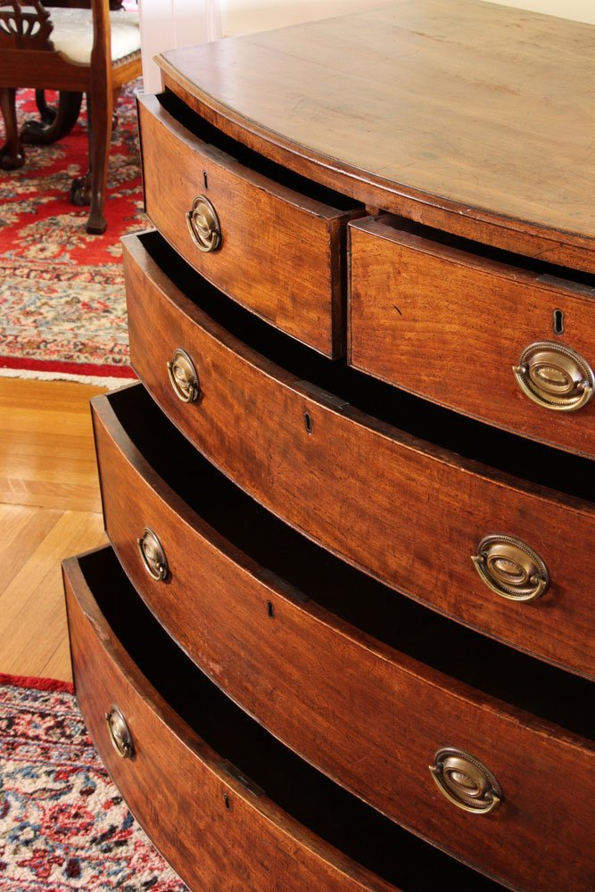 19th C. English Hepplewhite Style Bowfront Chest - 4