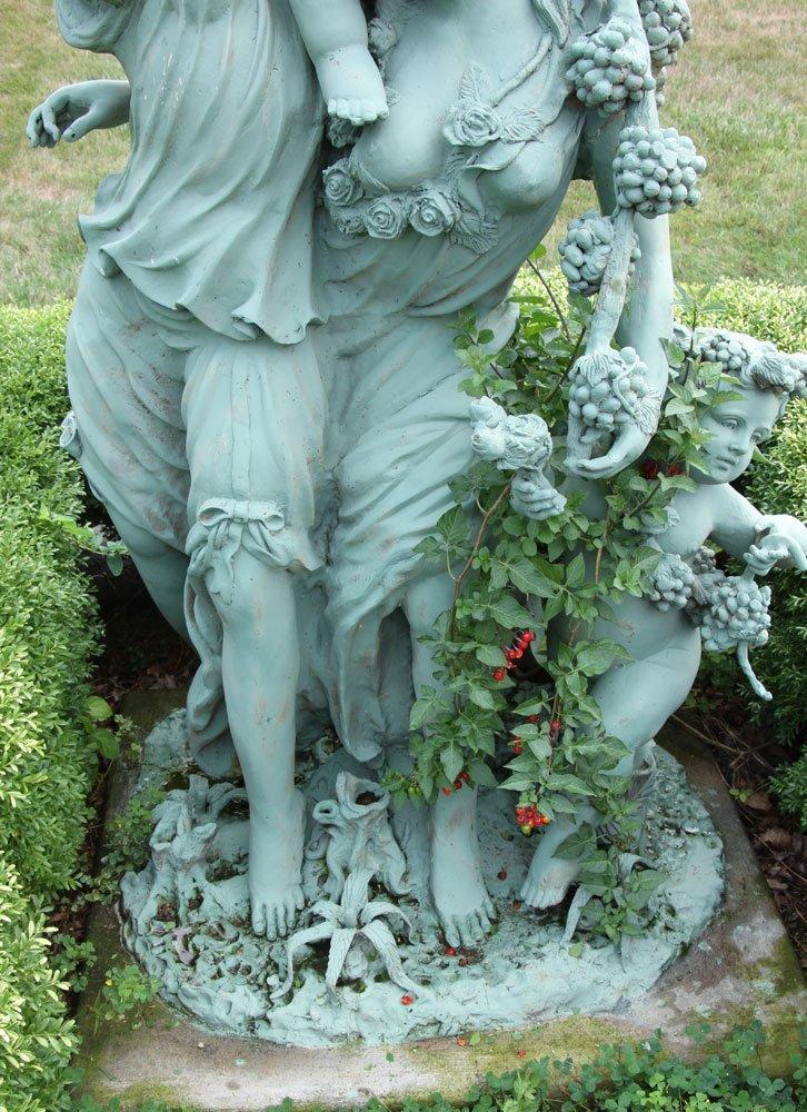 Classical Metal Garden Sculpture - 6