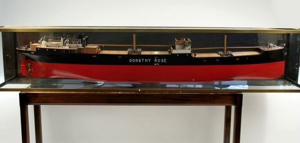 3006: Dockyard Builder's Model Freighter 'Dorothy Rose'