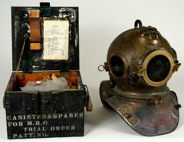 3053: RARE Heinke-Siebe Gorman Diving Helmet C. 1950