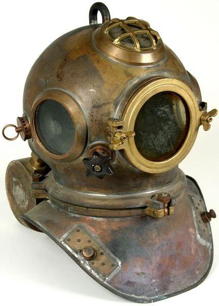 3053: RARE Heinke-Siebe Gorman Diving Helmet C. 1950 - 2