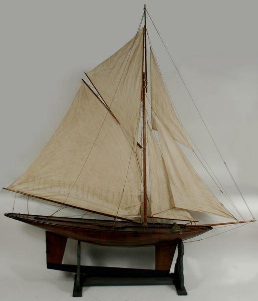 4008: Early 20th C. Pond Yacht with Mahogany Hull