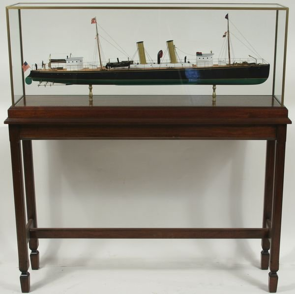 4010: Late 20th C. Cased Model of the Yacht Tarantula