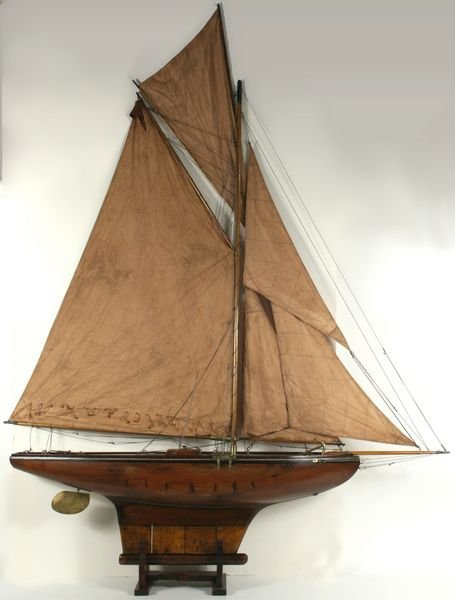 4023: Early 20th Century Gaff-Rigged Pond Yacht