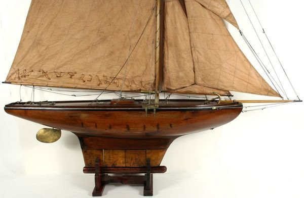 4023: Early 20th Century Gaff-Rigged Pond Yacht - 2