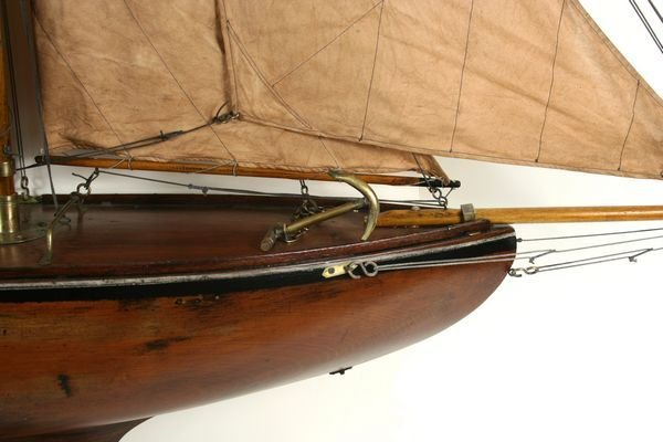 4023: Early 20th Century Gaff-Rigged Pond Yacht - 3
