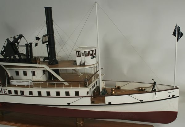 4067: 20th C. Model of the Paddle Steamer 'Island Home' - 2