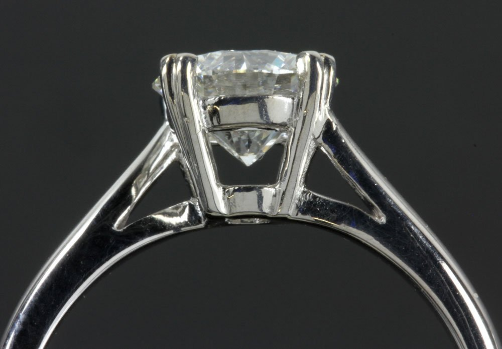 14K White Gold and Diamond Solitaire Ring - 4