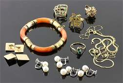 Miscellaneous Collection of Gold Jewelry