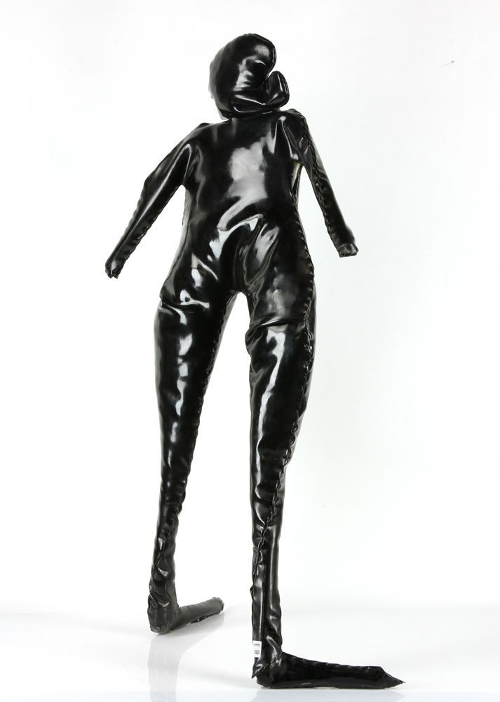 King, Standing Woman, Vinyl and Steel - 3