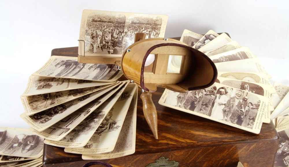 Holmes Stereoscopes with Case and Cards - 4