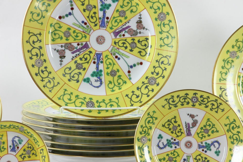 """Herend """"Yellow Dynasty"""" Dinner Service, 80 Pieces - 2"""