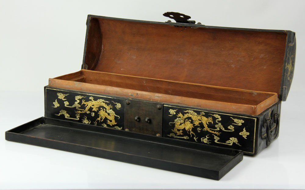 Chinese Lacquer and Gold Decorated Box - 3