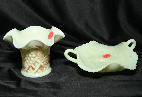 1005: Lot of 2 pieces Victorian custard glass, 1) Hat W