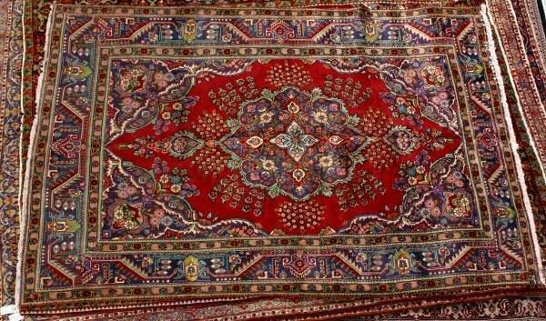 "18: 9'10"" x 6'7"" Handmade Persian Tabriz rug. Scalloped"