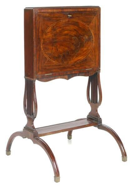 411: Very unusual and rare c. 1800 dressing stand. Engl