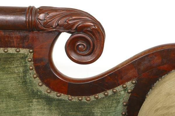 441: c. 1830 Carved Federal sofa. Flame and solid mahog - 4