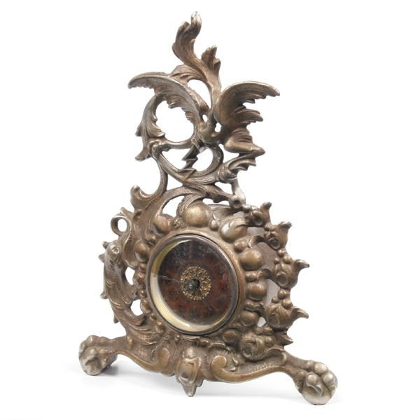 11: 1800 Victorian dresser clock, reticulated floral mo