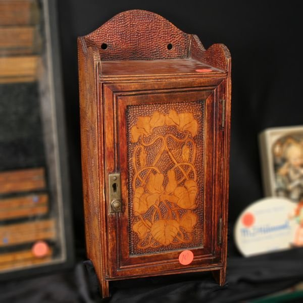1010: Early 1900 arts and crafts hanging or dresser cab
