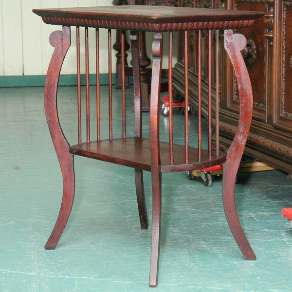 1020: Early 1900 parlor table, mahoganized finish, unus