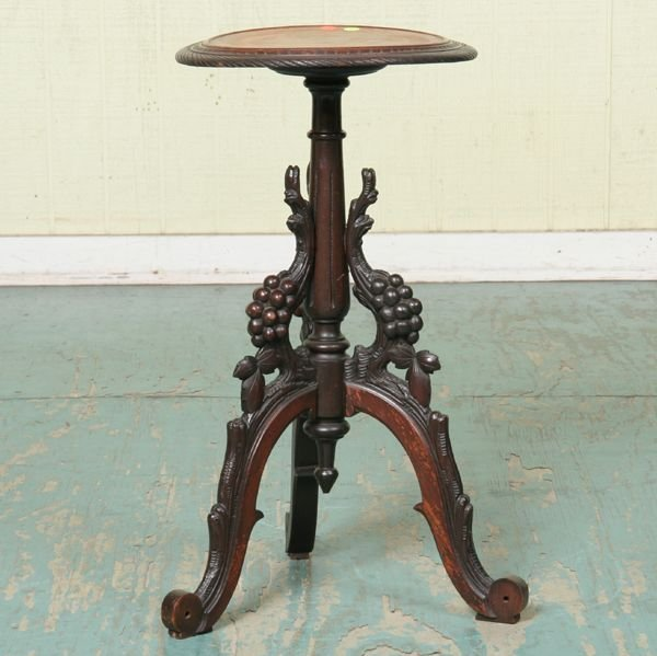 1004: Great 1870 Victorian candlestand, solid walnut, g