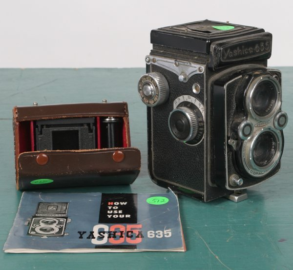 "512: Medium format camera, ""Yashica 635"" TLR, with inse"
