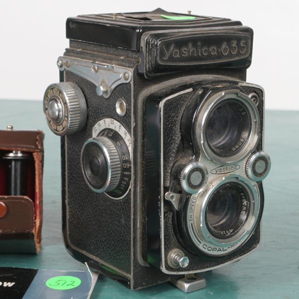 "512: Medium format camera, ""Yashica 635"" TLR, with inse - 2"