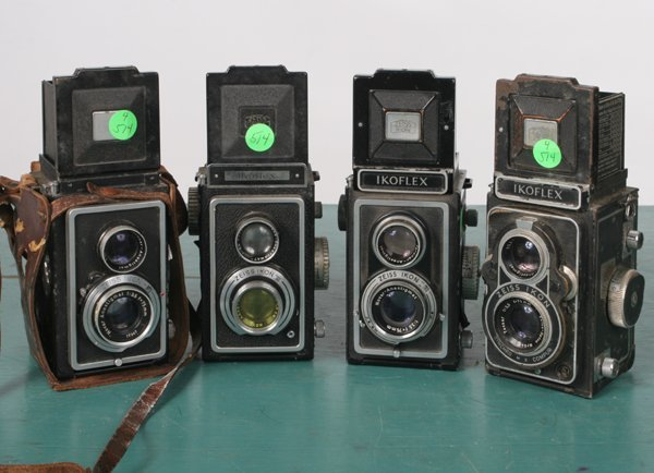 514: Lot of four medium format cameras, Zeiss, one Icon