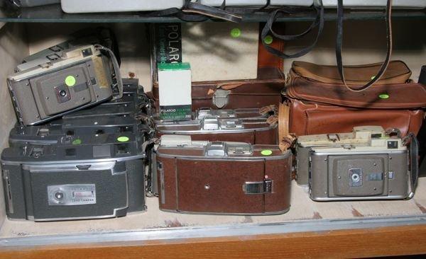 514: Lot of nineteen Polaroid cameras, model 95, 900, 8