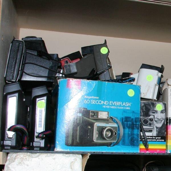 517: Lot of seventy-six Polaroid cameras, Big Swinger,