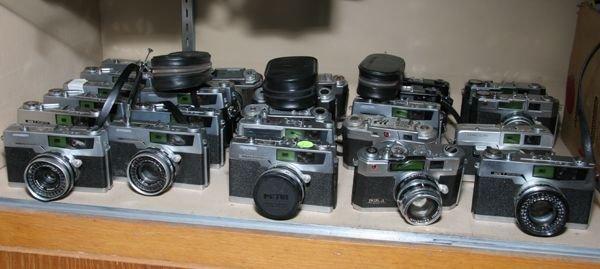 522: Lot of twenty five Petri cameras, Range Finders, R