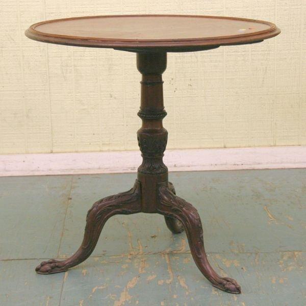 1010: Fine Chippendale tilttop tea table, solid mahogan