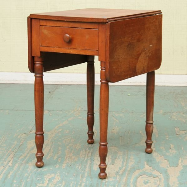 1018: Early 1800 Sheraton one drawer dropleaf stand, so