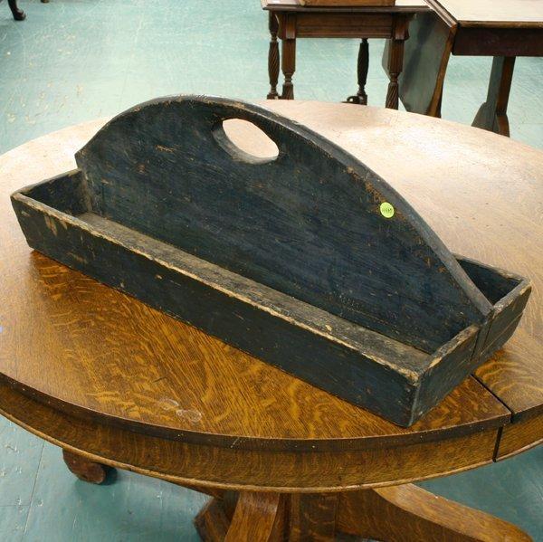 1016: Old knife or tool caddy, original dark green surf