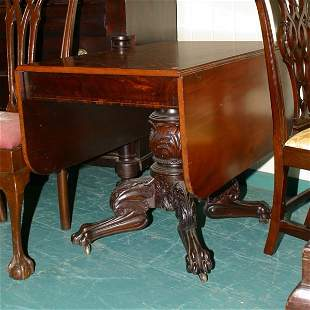 Excellent circa 1820 carved Federal drop leaf table