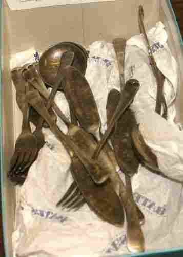 153: 38 pcs assorted silverplate flatware, 8 knives, 9
