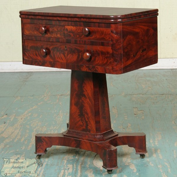 7: Fine 1830 Empire foldover stand, high grade matched