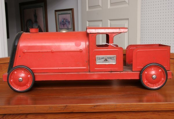 """1002: Old toy train """"Tri-ang Express L Bros, England"""","""