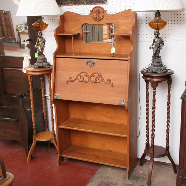 1003: C1900 Larkin dropfront desk, oak, shelf and mirro