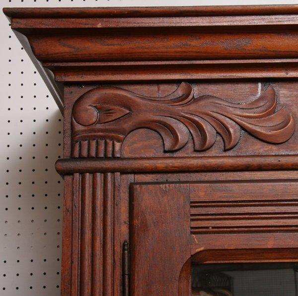 1025: C1900 double door cabinet, solid oak, reeded pila - 3