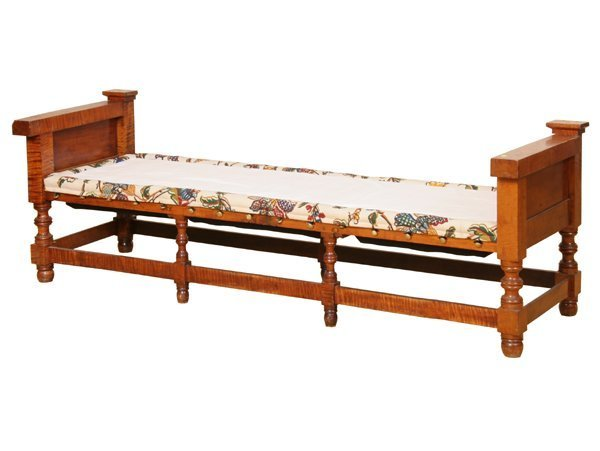 13: Fine c. 1800 day bed, probably New York state, soli