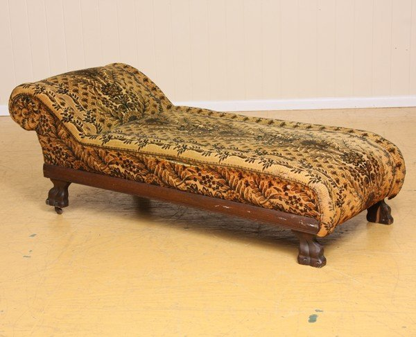 Circa 1900 fainting couch oak carved paw feet ro