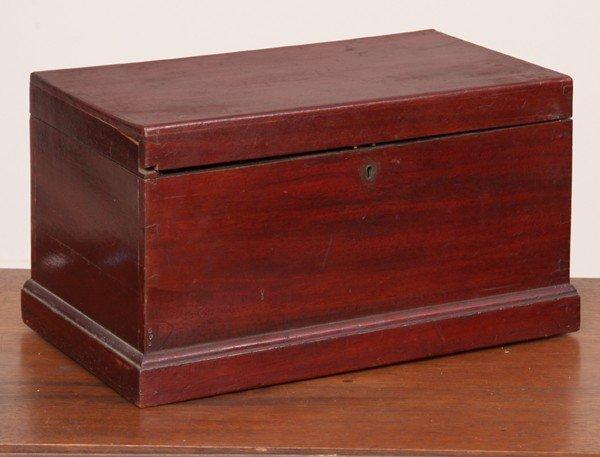 1002: 19th Century lifttop box, solid mahogany, dovetai