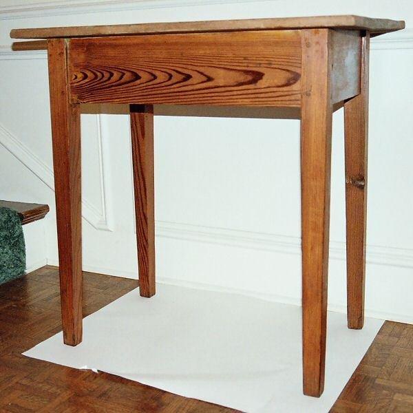 10: 19th c. Hepplewhite work table, yellow pine, probab